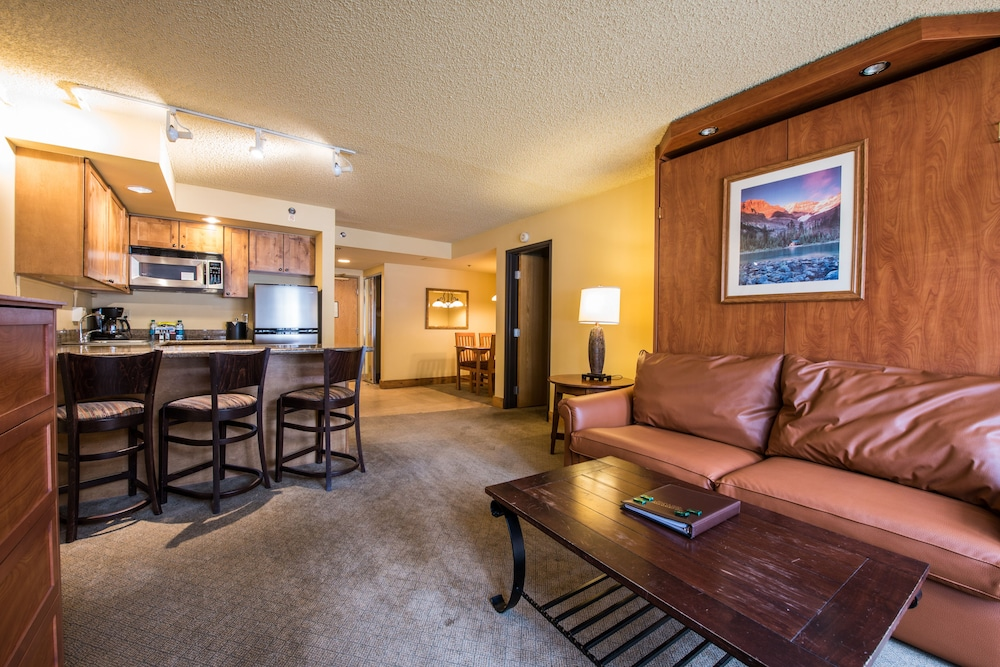 Living Area, Grand Lodge Crested Butte