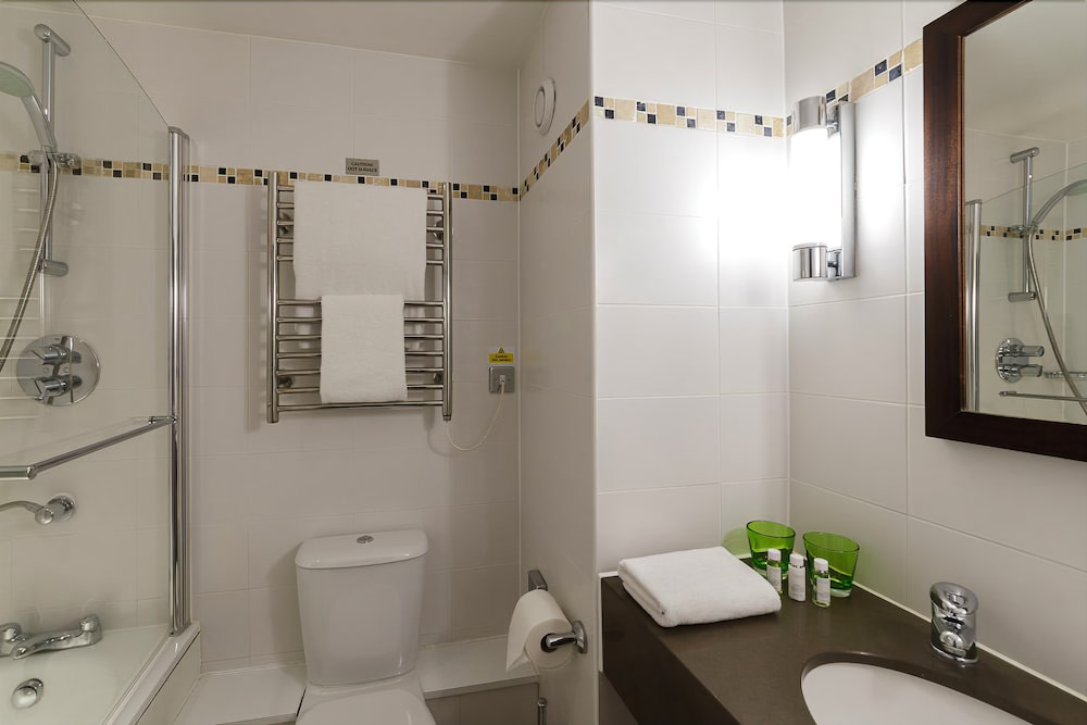 Tewkesbury park in tewkesbury hotel rates reviews on for In the bathroom tewkesbury