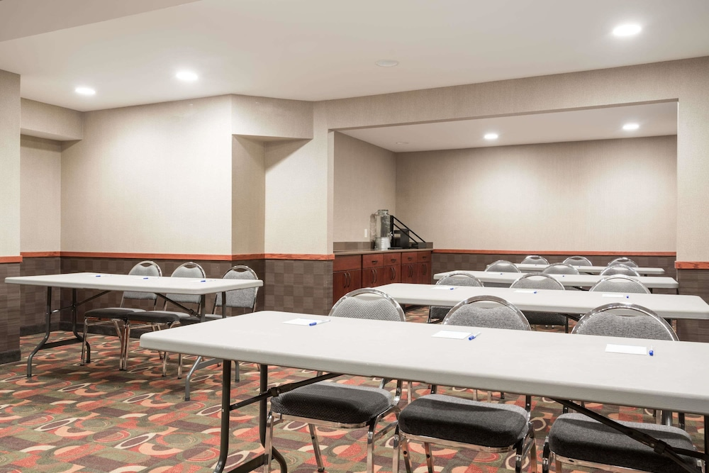 Meeting Facility, Baymont by Wyndham Eau Claire WI