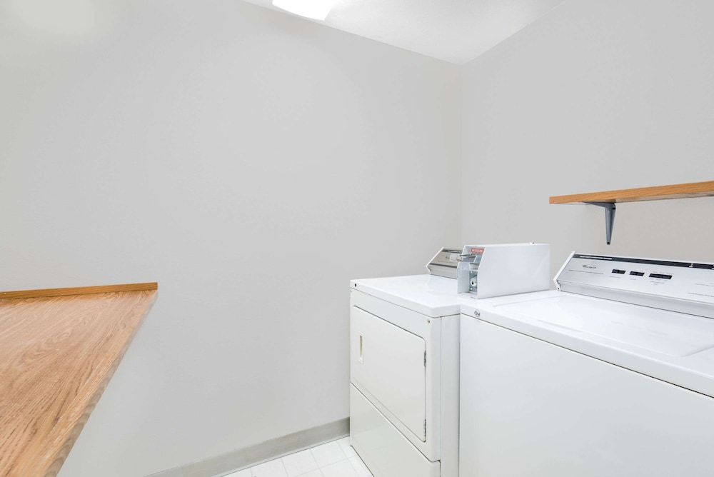 Laundry Room, Super 8 by Wyndham Watertown