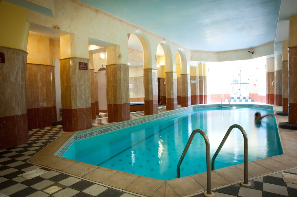 Chine hotel deals reviews bournemouth gbr wotif for Chaine hotel