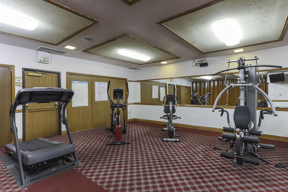 Fitness Facility, Airport Inn Hotel