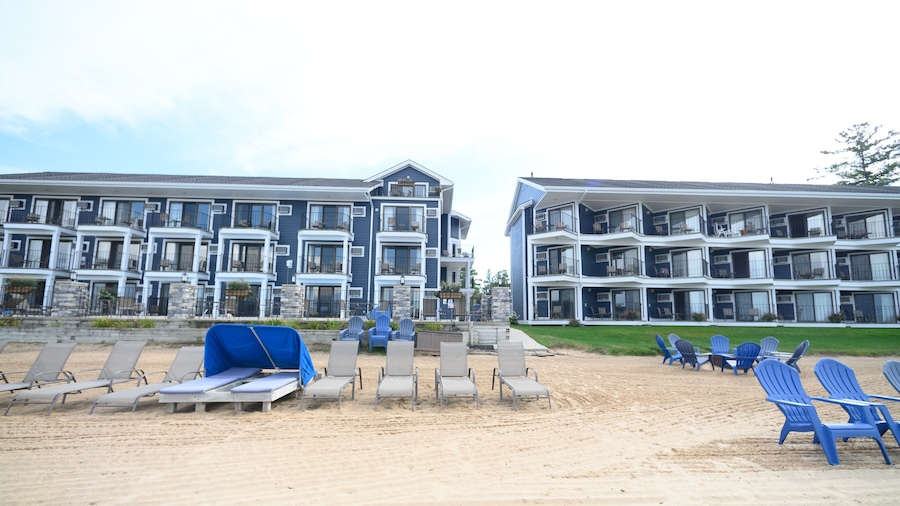 Pointes North Beachfront Hotel