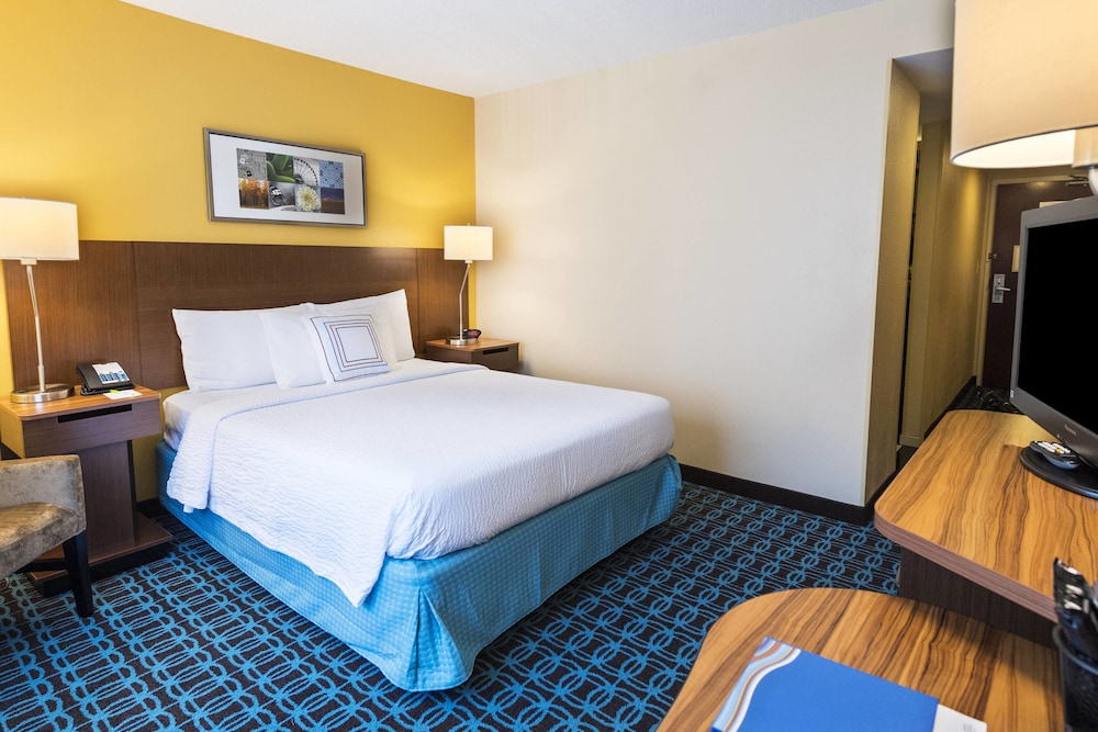 Room, Fairfield Inn and Suites by Marriott Perimeter Center