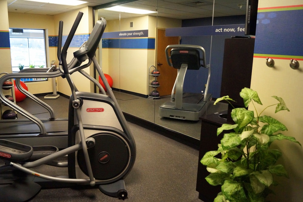 Fitness Facility, Hampton Inn Altoona