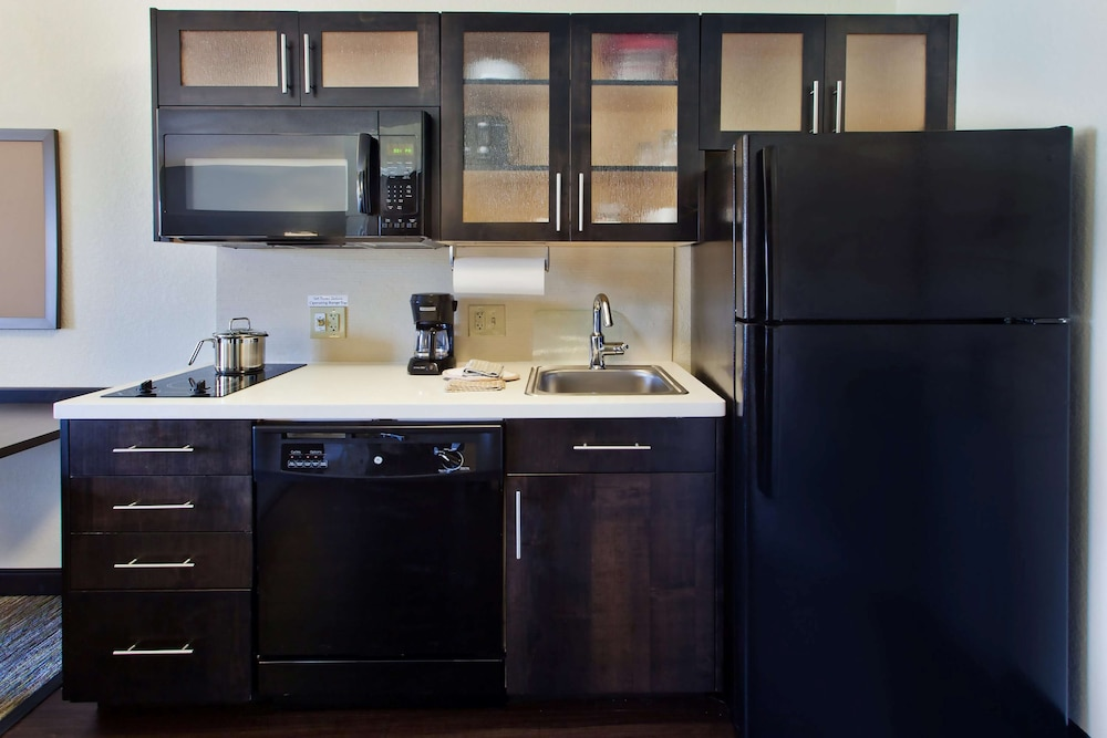 Private Kitchen, Sonesta Simply Suites Detroit Southfield