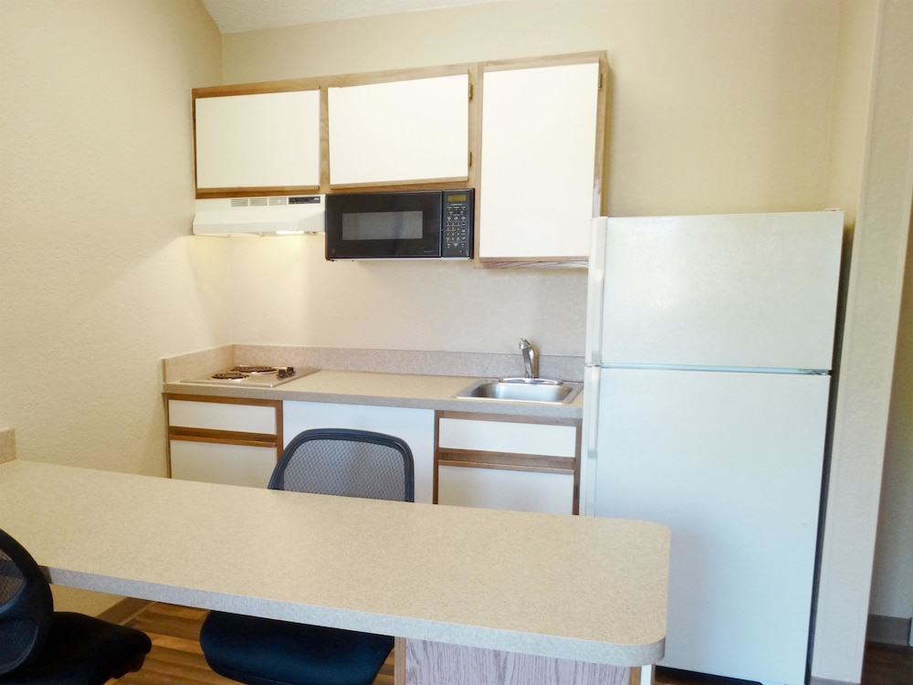 Private Kitchen, Extended Stay America - Providence - Airport