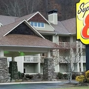 Super 8 by Wyndham Cherokee