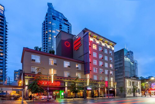 Great Place to stay Howard Johnson Hotel by Wyndham Vancouver Downtown near Vancouver