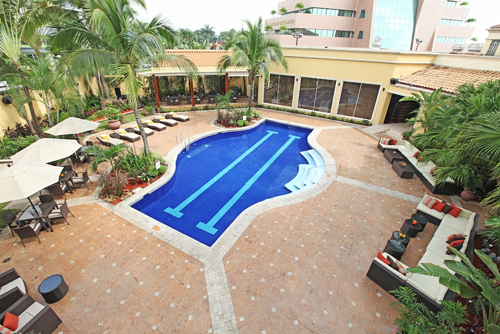 Outdoor Pool, Real InterContinental San Pedro Sula at Multiplaza Mall