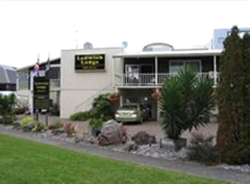 Ledwich Lodge Motel