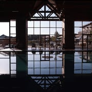 Binnen/buitenzwembad