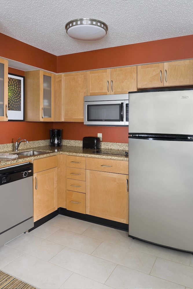 Shared Kitchen, Residence Inn Waco