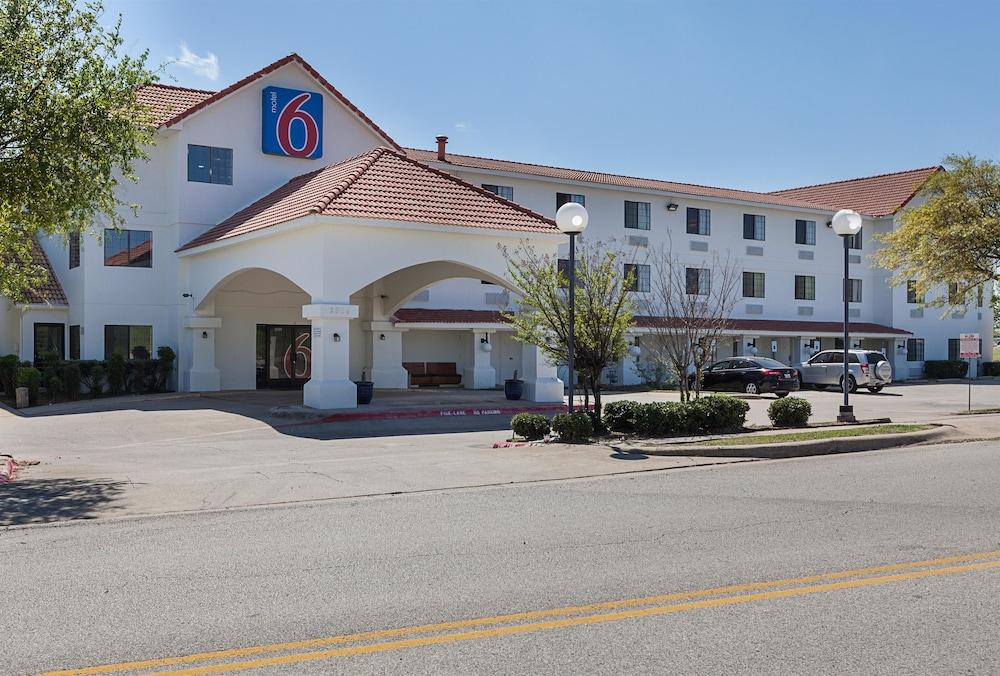 Motel  Bedford Tx
