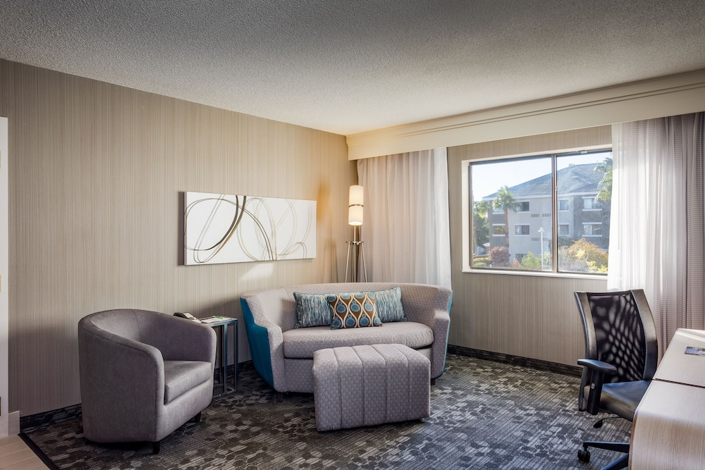 Book Courtyard By Marriott Las Vegas Henderson Green VAGXU1CZ