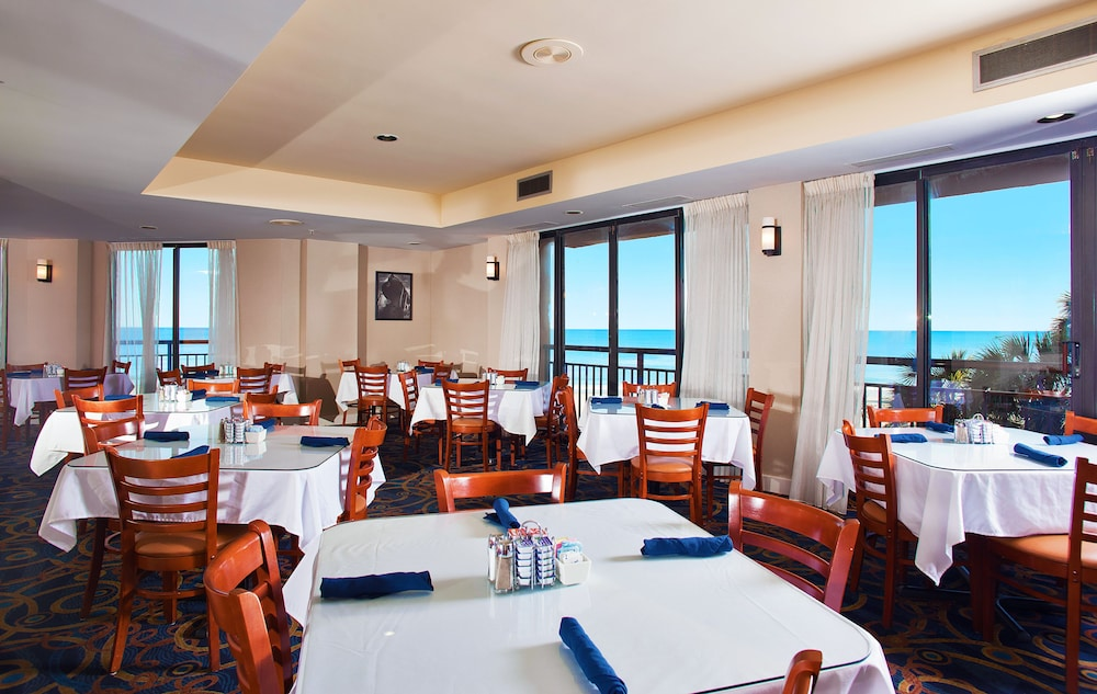 Dining, The Patricia Grand by Oceana Resorts
