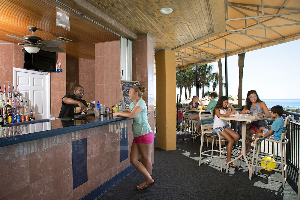 Poolside Bar, The Patricia Grand by Oceana Resorts