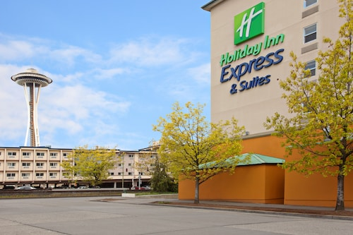 Great Place to stay Holiday Inn Express Hotel & Suites Seattle - City Center near Seattle