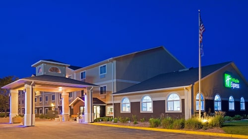 Great Place to stay Holiday Inn Express Deforest near De Forest