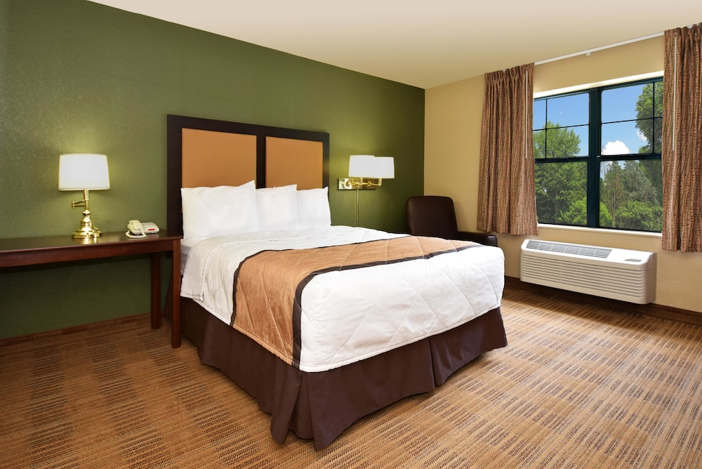 Room, Extended Stay America - Tampa - North - USF-Attractions