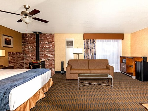 harbor house inn morro bay in san luis obispo hotel. Black Bedroom Furniture Sets. Home Design Ideas