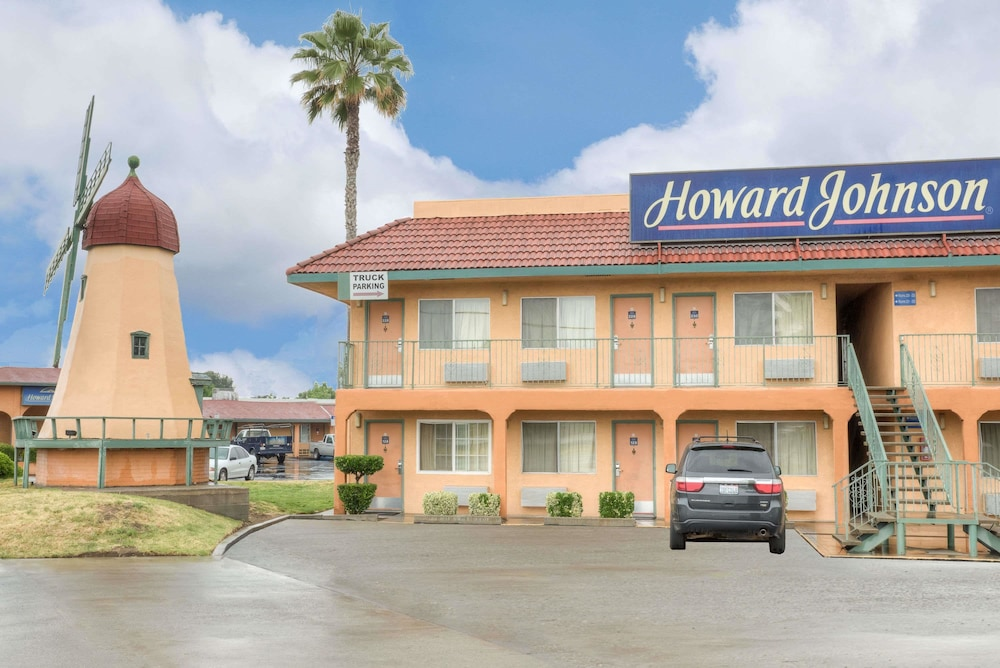 Exterior, Howard Johnson by Wyndham Modesto Ceres
