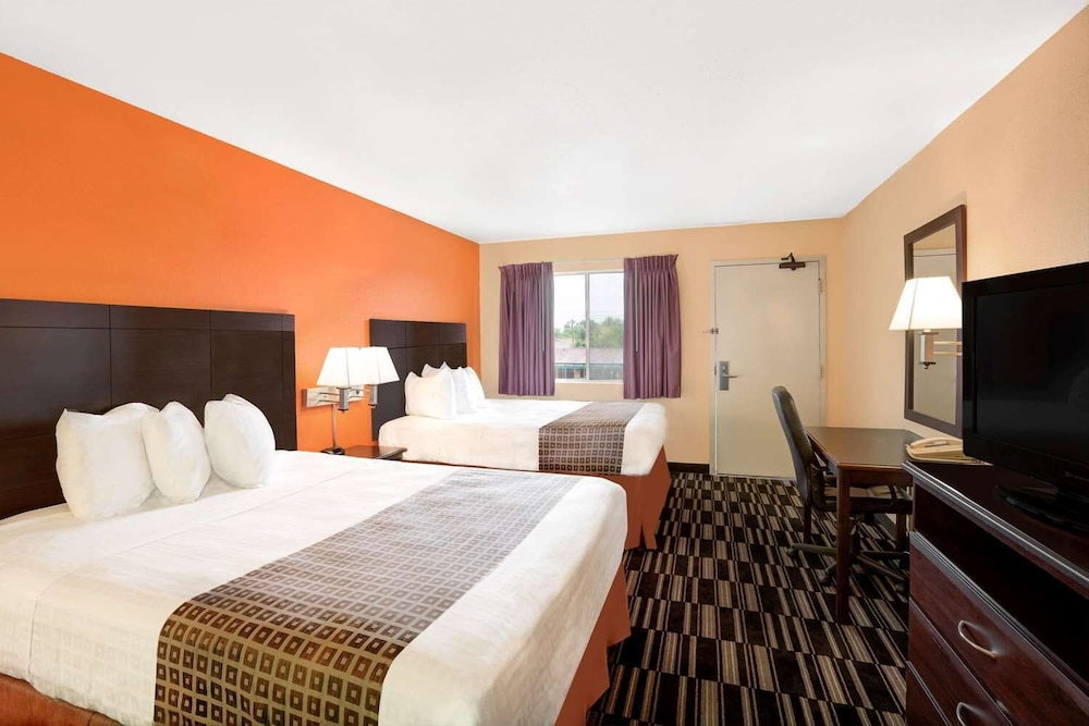 Room, Howard Johnson by Wyndham Modesto Ceres