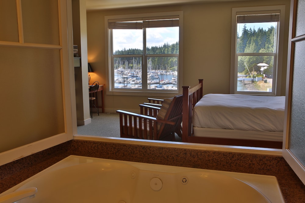 Room, The Resort at Port Ludlow