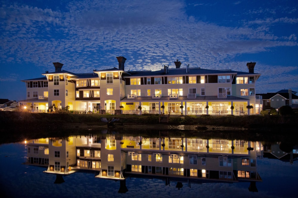 Front of Property - Evening/Night, The Resort at Port Ludlow