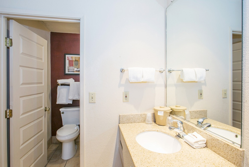Red roof inn stockton in stockton hotel rates reviews for H bathrooms stockton