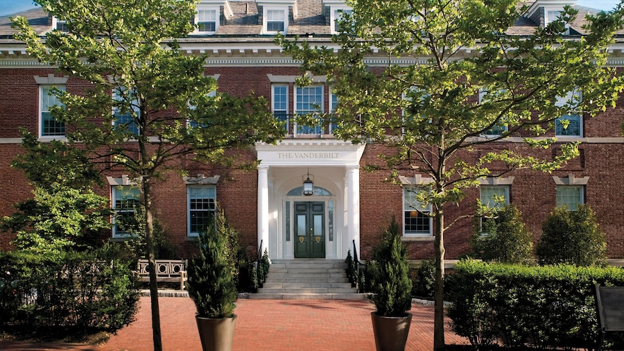 Vanderbilt, Auberge Resorts Collection