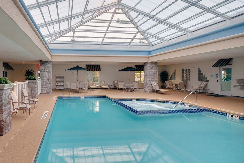 Indoor Pool, Holiday Inn Express Hotel & Suites Saginaw