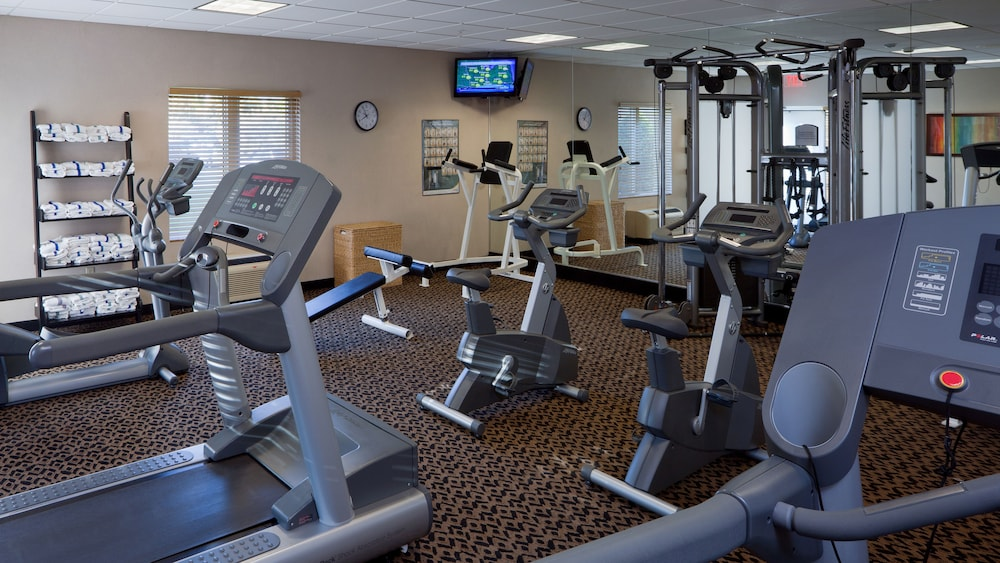 Fitness Facility, Holiday Inn Express Hotel & Suites Saginaw