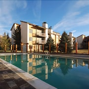 Rockies Condominiums by Mountain Resorts