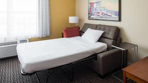 Down comforters, in-room safe, desk, laptop workspace