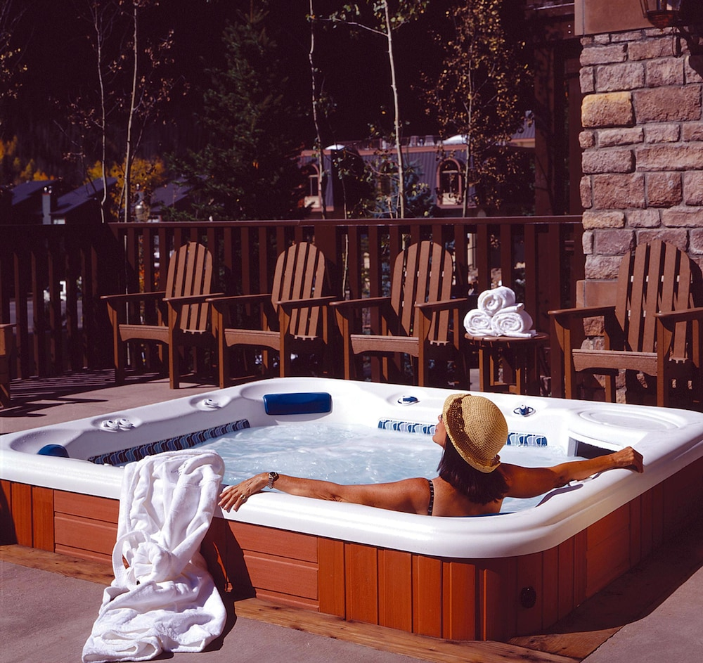 Outdoor Spa Tub, The Hotel Telluride