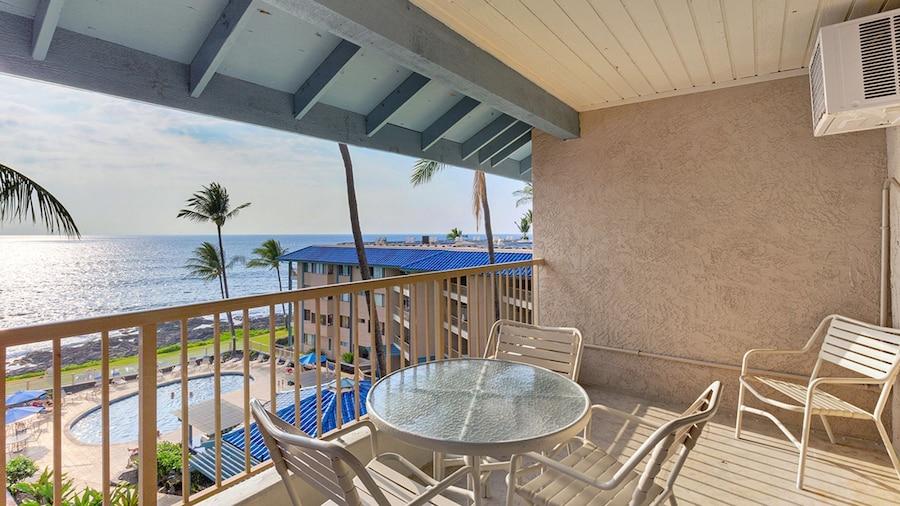 Castle Kona Reef, a Condominium Resort