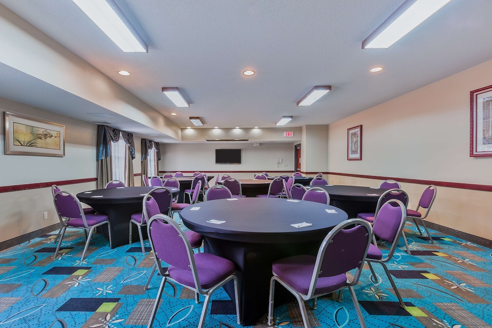 Meeting Facility, Staybridge Suites Cedar Rapids North, an IHG Hotel