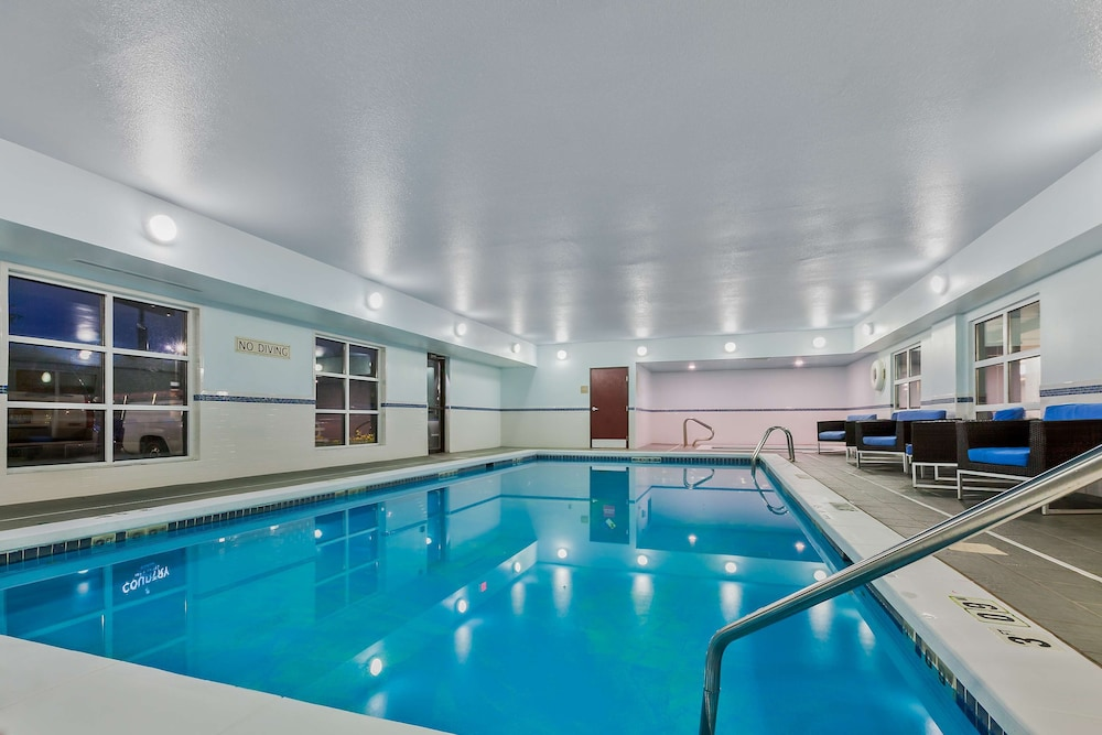 Indoor Pool, Staybridge Suites Cedar Rapids North, an IHG Hotel