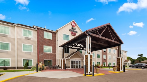 Best Western Plus Menomonie Inn & Suites