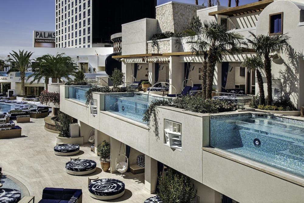 Outdoor Pool, The Palms Casino Resort