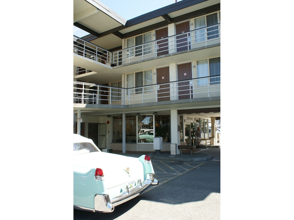 book paul 39 s motor inn victoria hotel deals