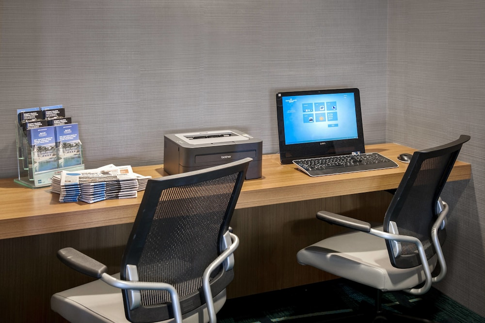Business Center, SpringHill Suites Philadelphia Willow Grove
