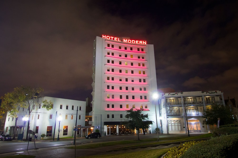 Book hotel modern new orleans new orleans hotel deals for Moderne hotels