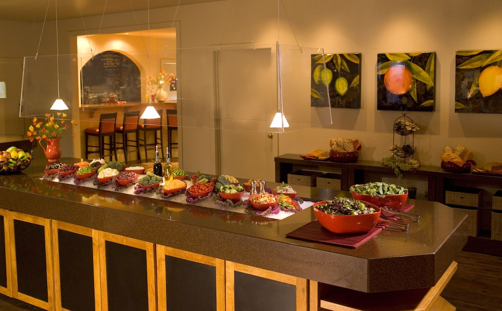 Buffet, Red Mountain Resort