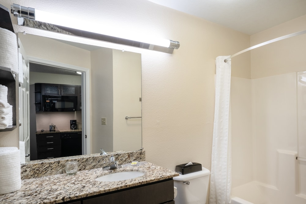 Bathroom, Candlewood Suites Hopewell