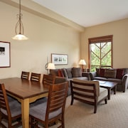 Condo, 3 Bedrooms (Unit 302) - In-Room Dining