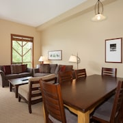 Condo, 3 Bedrooms (Unit 301) - In-Room Dining
