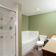 Condo, 3 Bedrooms (Unit 301) - Bathroom