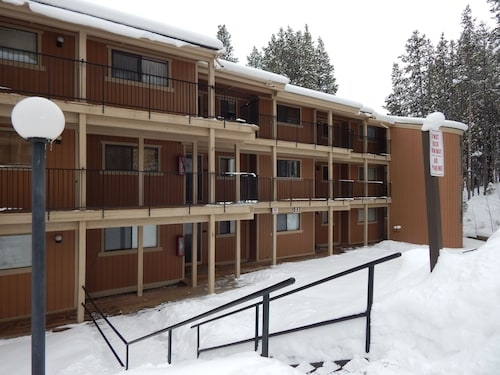 Beaver Village Condos by Staywinterpark